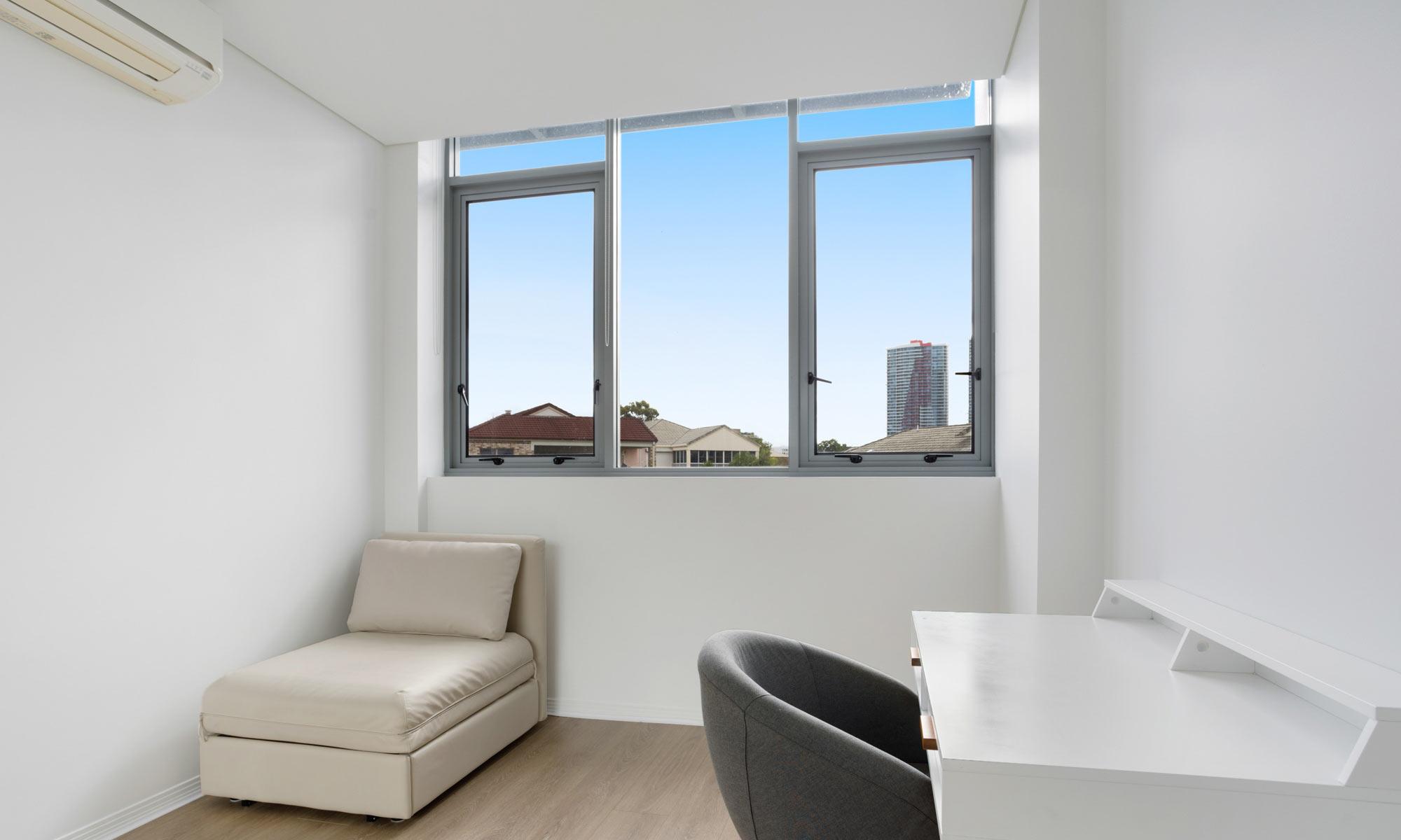Gold Coast real estate for rent Regatta 617 study room