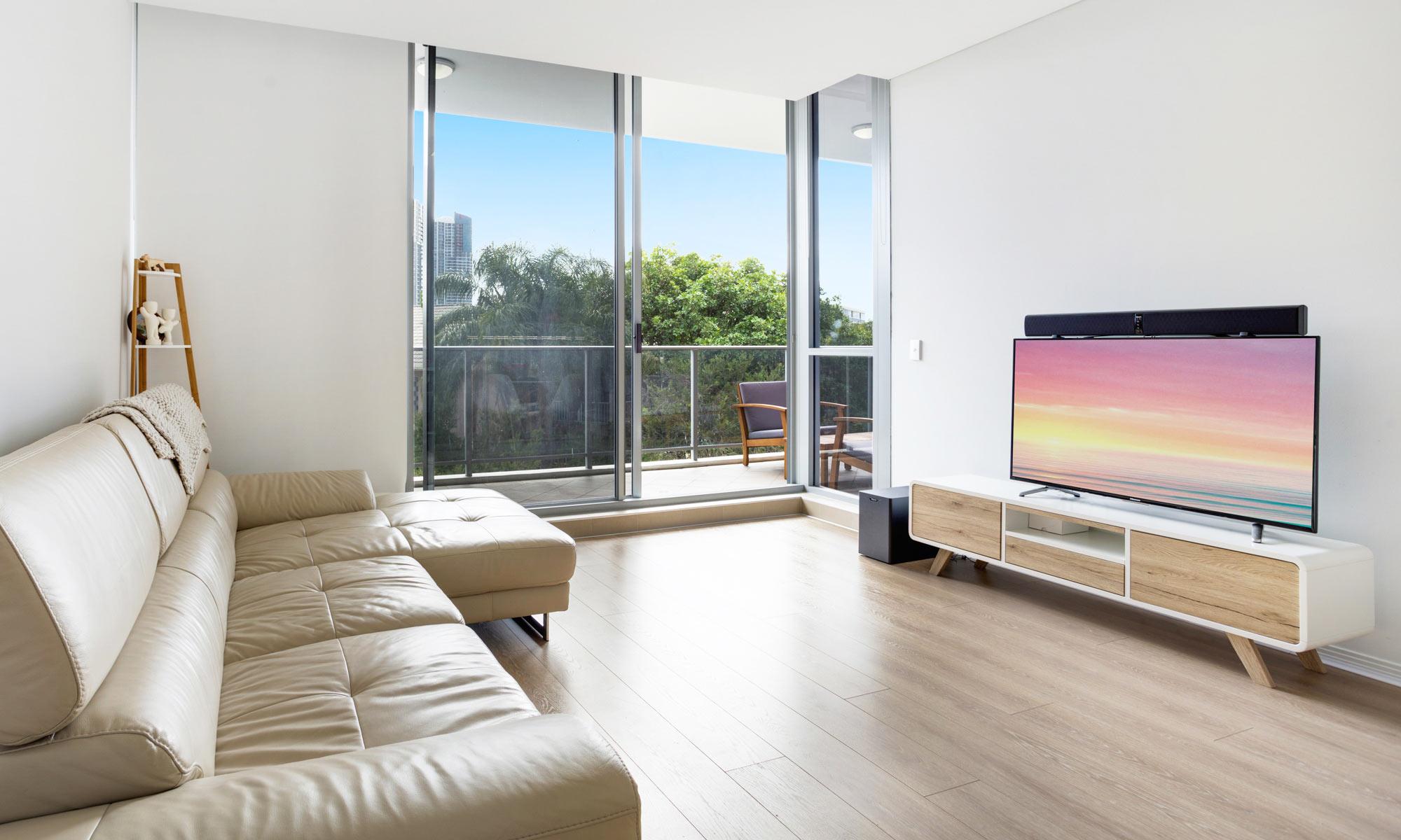 Gold Coast real estate for rent Regatta 617 living room