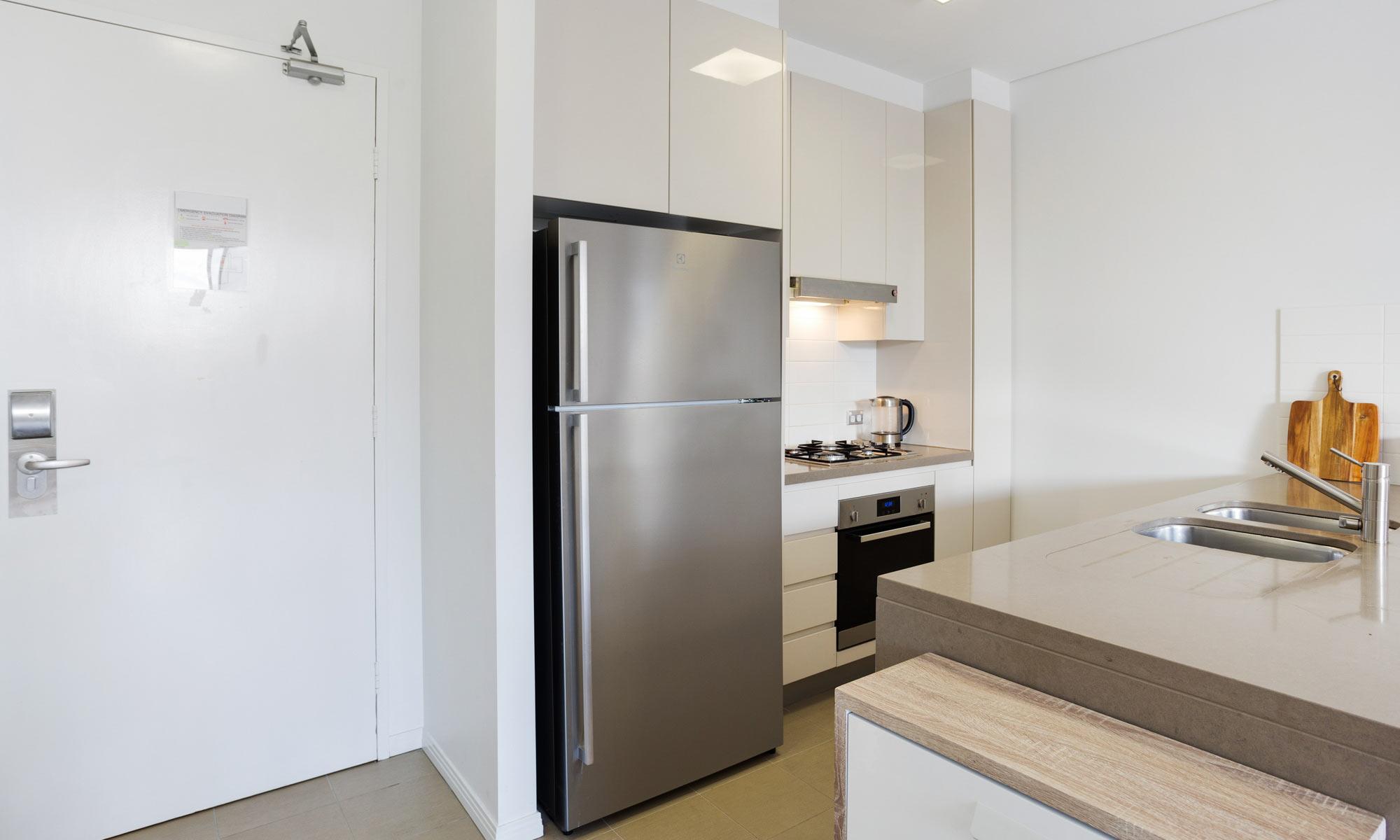 Gold Coast real estate for rent Regatta 617 kitchen