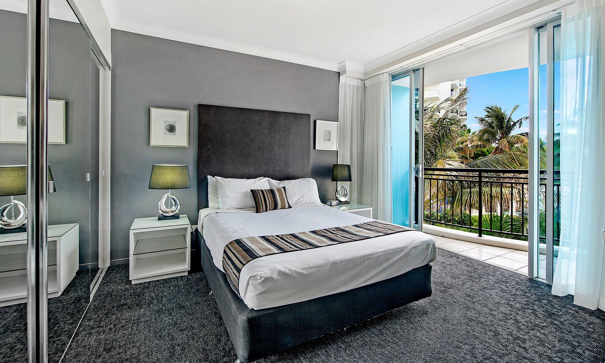Gold Coast real estate for sale Chevron Renaissance 3073 main bedroom