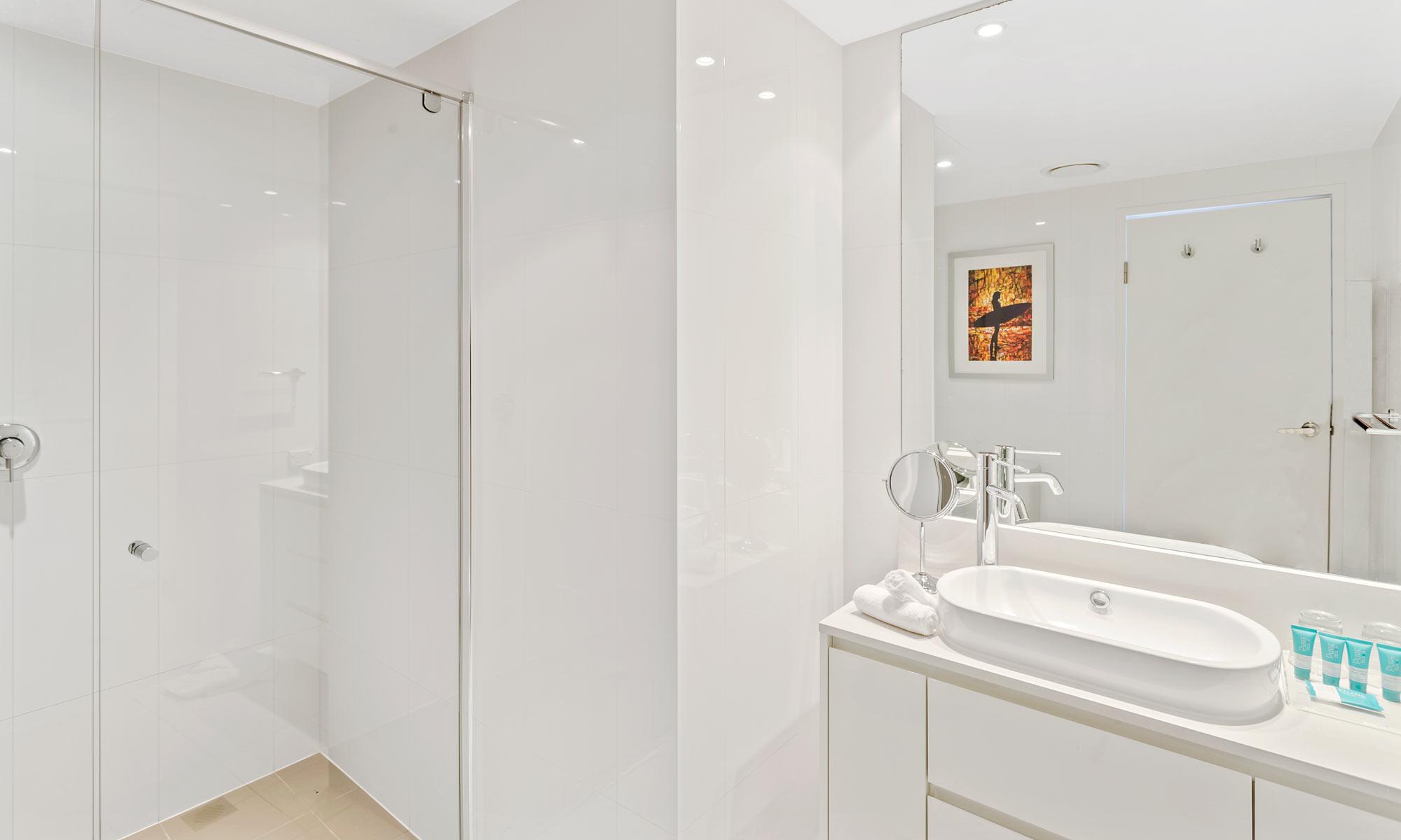 Gold Coast real estate for sale Hilton 22001 in H Residences above Hilton Surfers Paradise ensuite