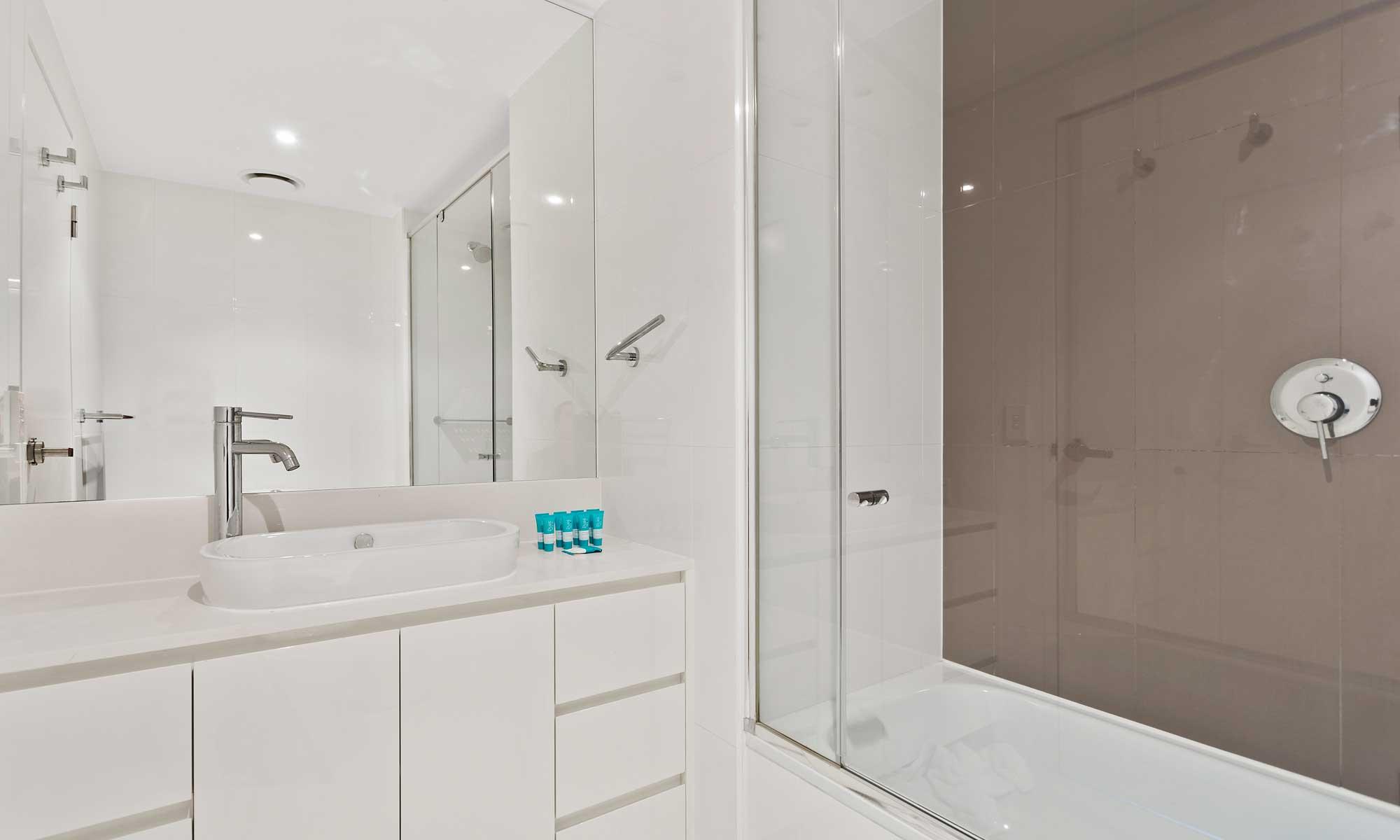 Gold Coast real estate for sale Hilton 22706 in H Residences above Hilton Surfers Paradise ensuite