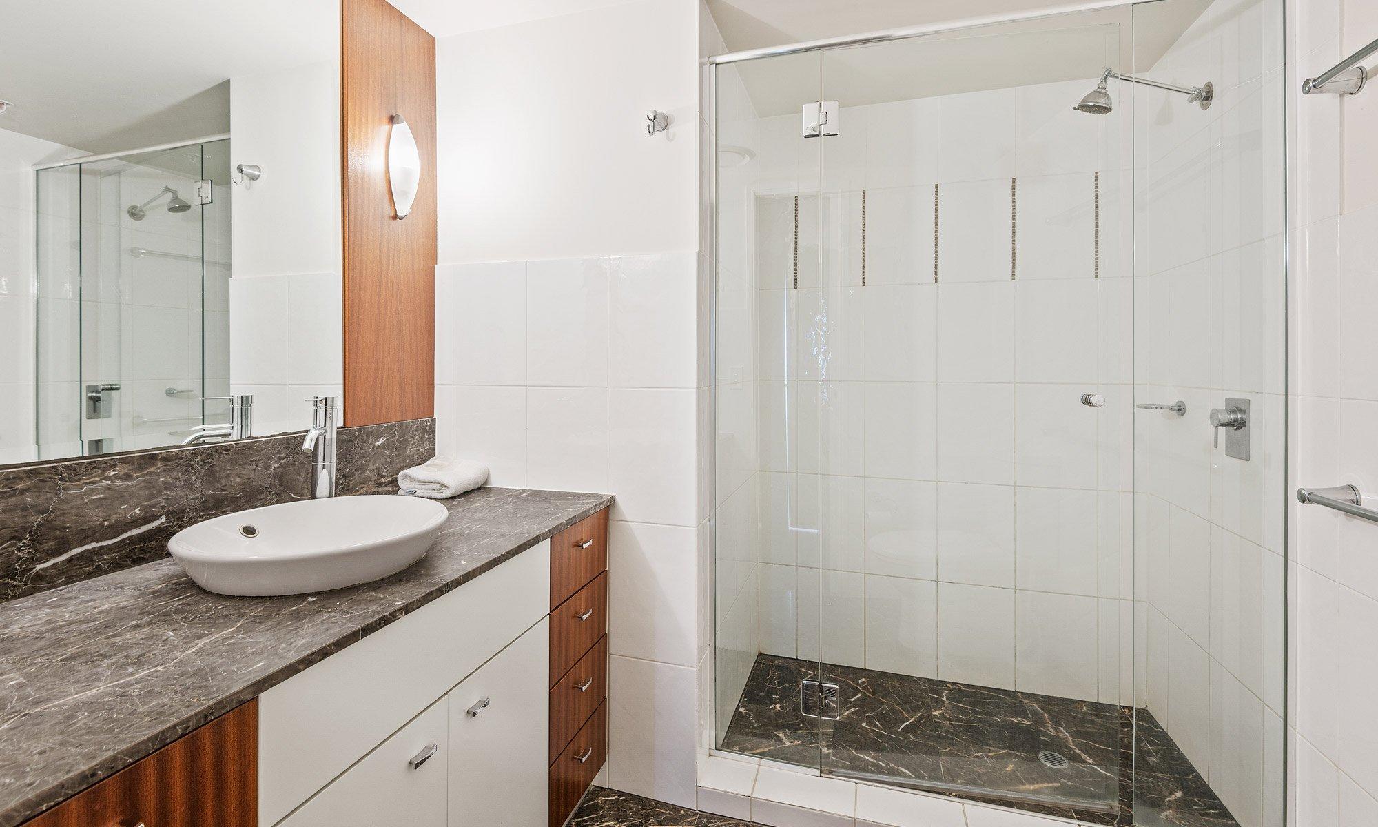 Gold Coast real estate for sale Chevron Renaissance 1264 ensuite bathroom