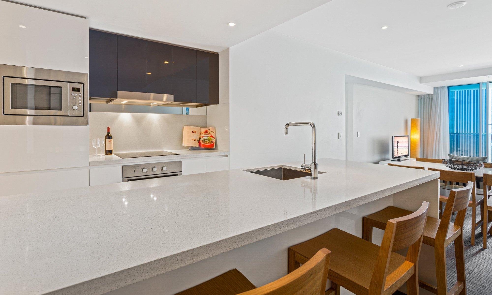 Gold Coast real estate for rent H Residences 21903 above Hilton Surfers Paradise large kitchen